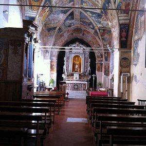 Interno Chiesa di San Donato. Foto Annunziata Giandomenico