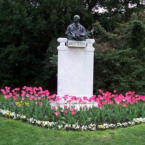 Bruckner Statue in Stadtpark