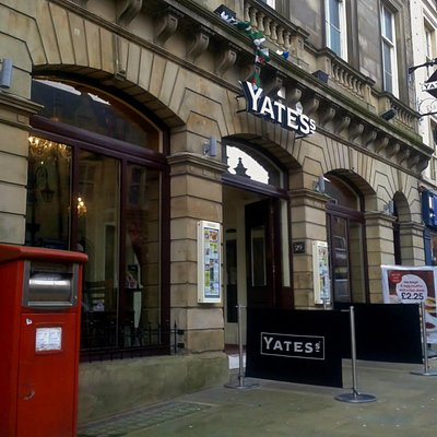 Yates's, Wrexham High Street