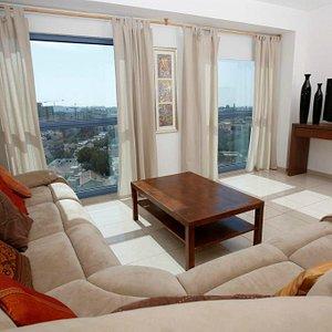 Apartment lounge - Floor to ceiling windows