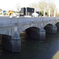 Precioso Puente Peatonal.