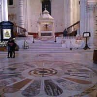 Bari-Altare maggiore della Cattedrale