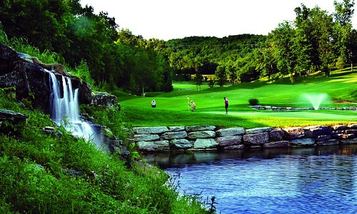 View of hole 18 at LedgeStone Golf Course