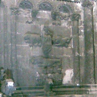 Schottenportal - detail with figures