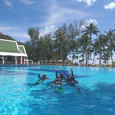 Sea Fun Divers Karon Beach Le Meriden trrainning pool