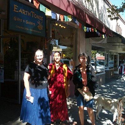 Buddhist Monks Create Universal Healing Mandala at EarthTones Gifts, Gallery & Center for Healin