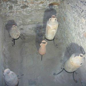 anforas de los fenicios encontradas en los fondos marinos de almuñecar