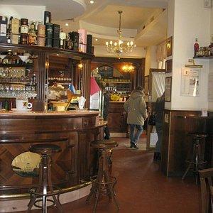 Interno caffe' : meraviglioso locale,meraviglioso lo staff & qualita'ai max livelli !