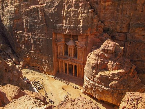 The view of the Treasury from Jebel Khubtha