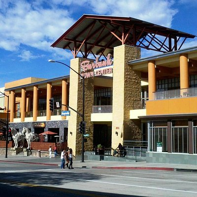 Burbank Town Center at Magnolia Boulevard