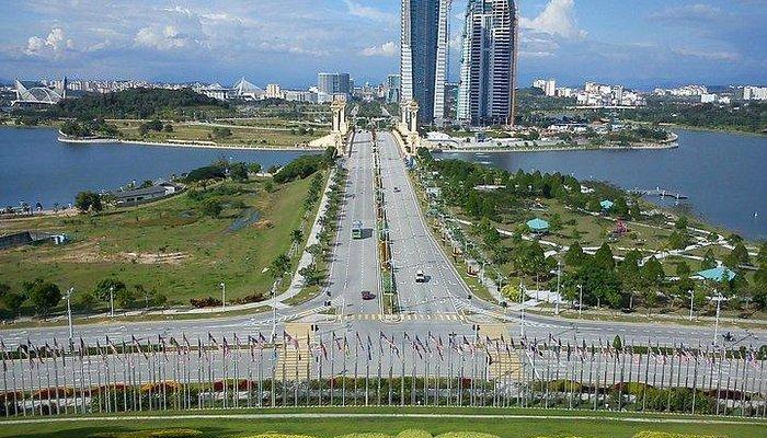 Scene from the Putrajaya bridge