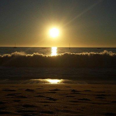 Hermosisimas puestas de sol en esta playa!! La playa de mi vida!! Me encanta!!!♡♡