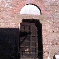 Chiesa dei Santissimi Jacopo e Filippo a Certaldo, antico ingresso
