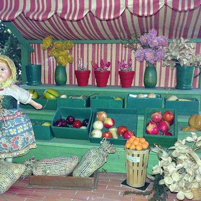 1930's folk art farmstand