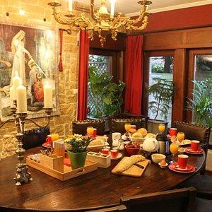 Breakfast in the medieval room