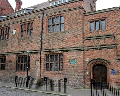 Old Grammar School building