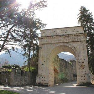 l'arche d'auguste