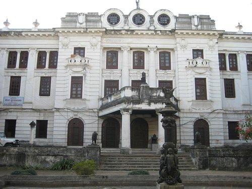 Kaiser library exterior