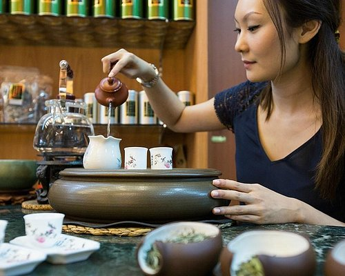 Learn how to brew the perfect cup of tea at Yixing Xuan!