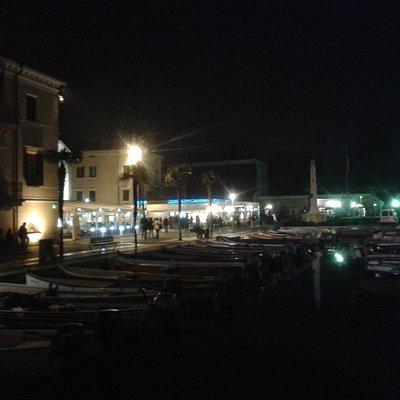 Lungolago di notte