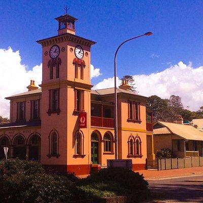 Old Kiama post office overlooking the harbour