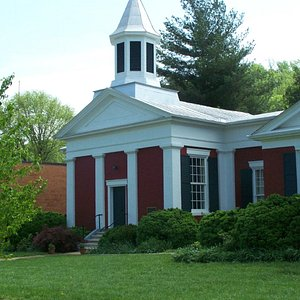 Trinity Episcopal Church has a Civil War Era Grave yard out back.