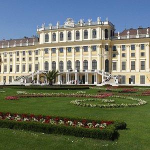 Visit Schönbrunn Palace on a private vienna city tour - Discover Vienna