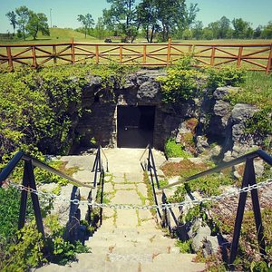 Entrance to Large Cavern