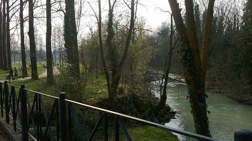 Il fiume Cormor che scorre al lato dell'omonimo Parco