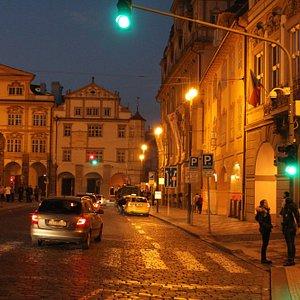 Малостранская площадь (Malostranské náméstí)