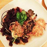 Beet Salad with Mushrooms and Chèvre Crottins