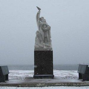 новое местоположение памятника у набережной