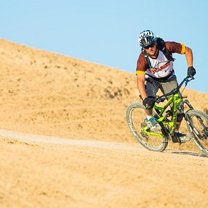 Carving a turn in the desert