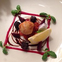 Free appetiser. Scallop & black pudding.