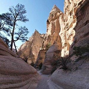A beautiful canyon guided hike at Kasha-Katuwe Tent Rocks