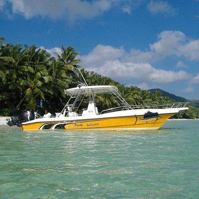 """Boat """"Dyab Lavwal"""" 29ft long"""
