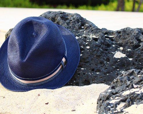 Blue Ecua-Andino hat in Galapagos