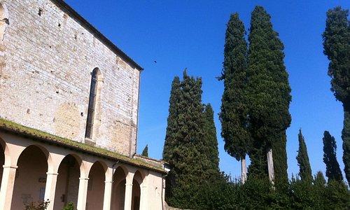 Convento di San Lucchese a Poggibonsi, veduta dal cimiterino