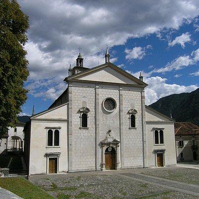 Facciata della Concattedrale di San Pietro