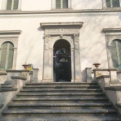 Ingresso Villa Renatico Martini