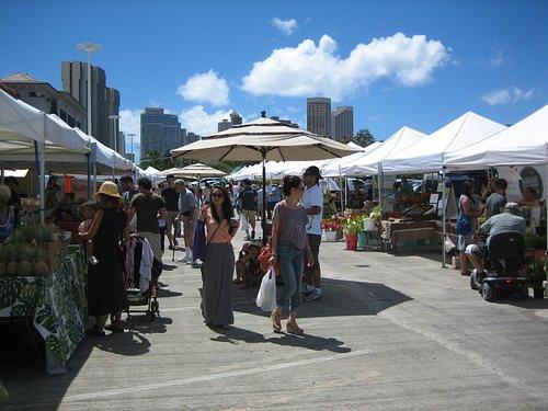 AlaMo market moves to Kaka'ako!