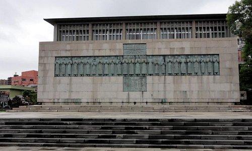 二十六人殉教者レリーフ像です