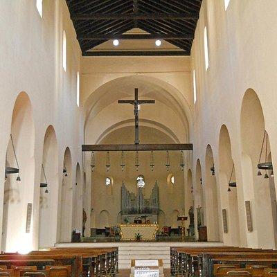 Acqui Terme (AL), l'interno della basilica di San Pietro