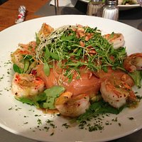 "The ""Salade Folle"" with scampi and salmon."