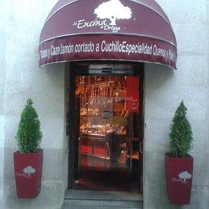 Entrada tienda La encina de Ortega