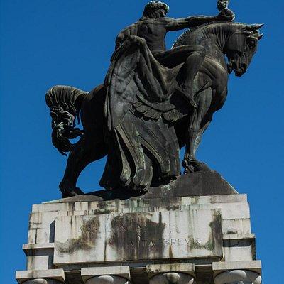 Detalhe da Estátua