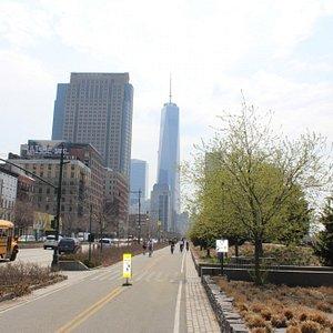 Bike the Manhattan waterfront greenway
