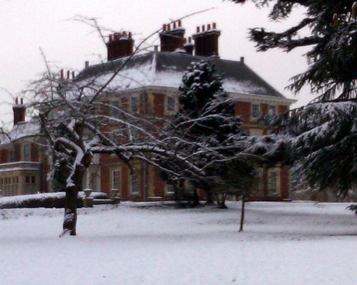 Winters day at Forty Hall.