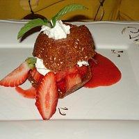 Croustillant au miel et aux fraises