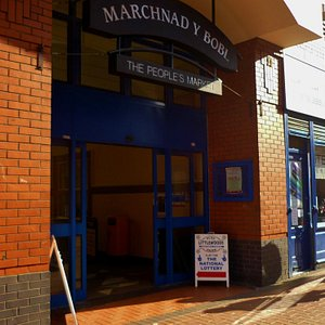 Marchnad Y Bobl/The People's Market, Wrexham